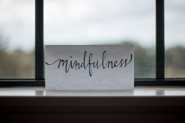 Achtsamkeit, Mindfulness entspannen und zufrieden sein.