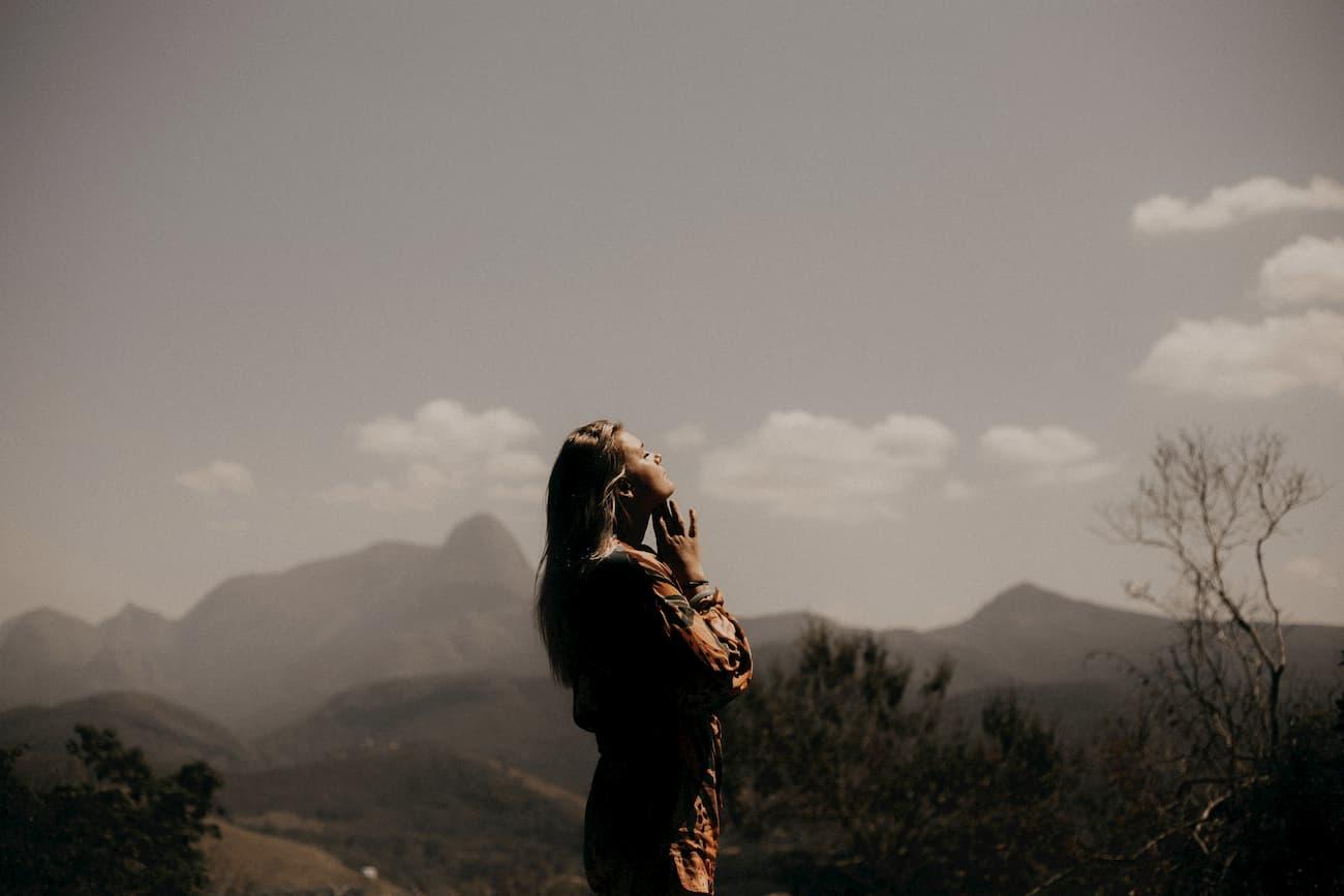Bleib in Verbindung mit dir selbst für inneren Frieden und Freiheit: Familienaufstellung